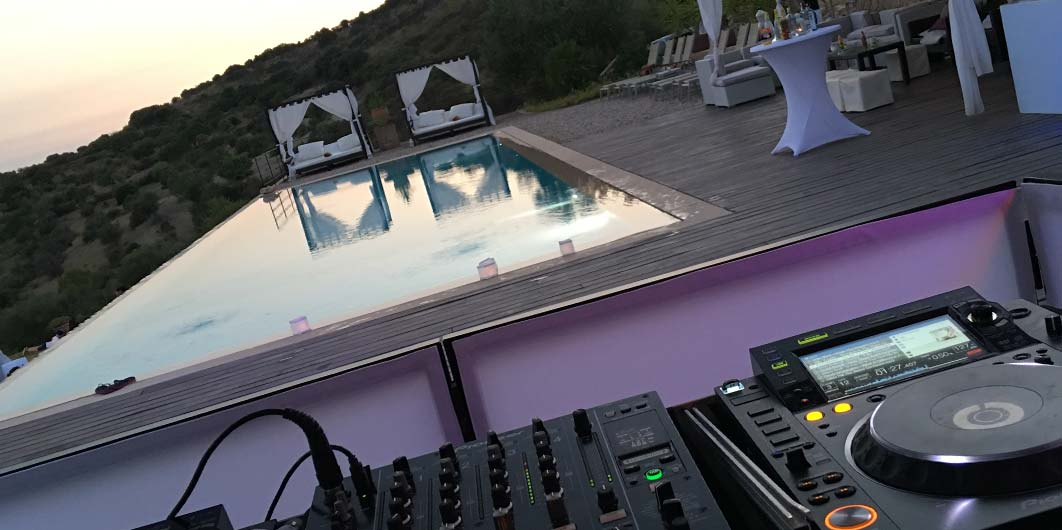 Party DJ for Weddings Fiestas
